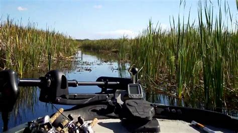 Bass Boat Crash Youtube by Everglades Extreme Bass Boat Youtube