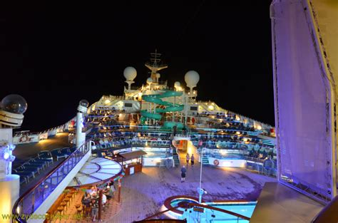530 carnival conquest cozumel lido and parorama deck at