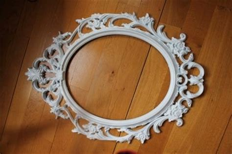 grand cadre baroque blanc en d 233 coration de mariage pas cher 224