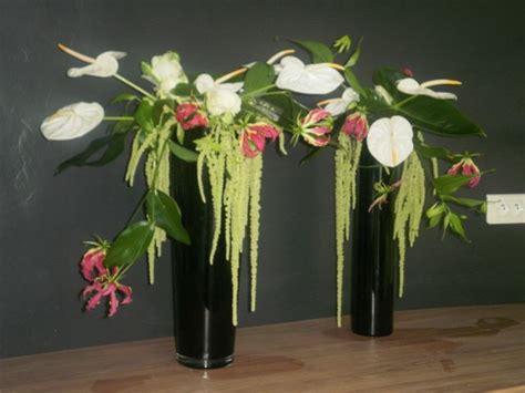 composition florale artificielle moderne