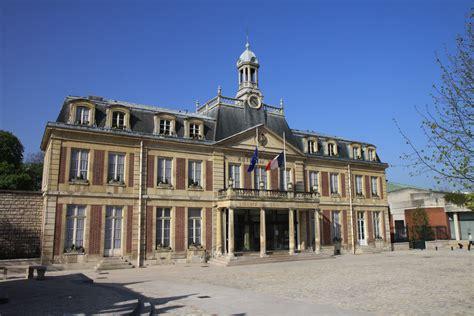 file mairie de maisons alfort drapeaux en berne jpg wikimedia commons
