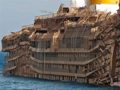 Schip Concordia by Costa Concordia In 2016 Eerie Photos Inside The Ghost Ship