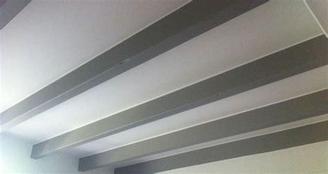 poutres apparentes plafond deco accueil design et mobilier