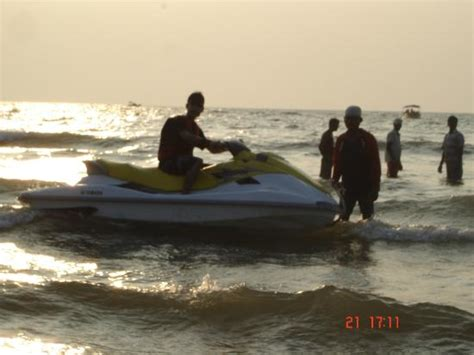 Water Scooter In Goa by Para Sailing Preparation In South Goa Beach Picture Of