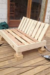 Outdoor Sofa Holz : gartenm bel aus paletten selber bauen und den au enbereich ausstatten ~ Markanthonyermac.com Haus und Dekorationen