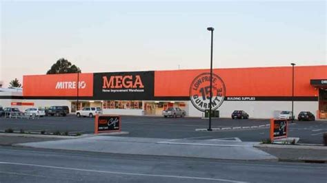 Auckland Mitre 10 Mega Fined After Teen Loses Fingers  1