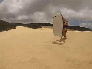 23 Persone Che Dovrebbero Stare Lontano Dalla Spiaggia Per ...