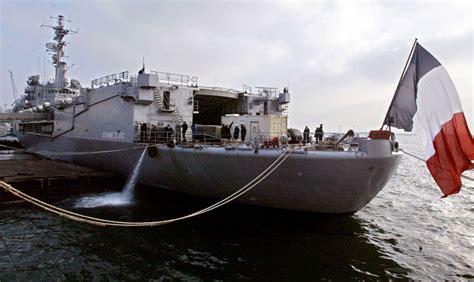 l histoire en images de quot la jeanne d arc quot le plus vieux b 226 timent de la marine nationale sud