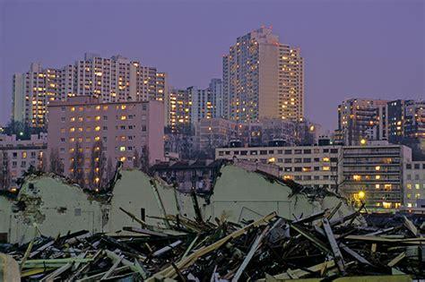 issy les moulineaux le photographe et la transformation d un paysage urbain thierry dehesdin