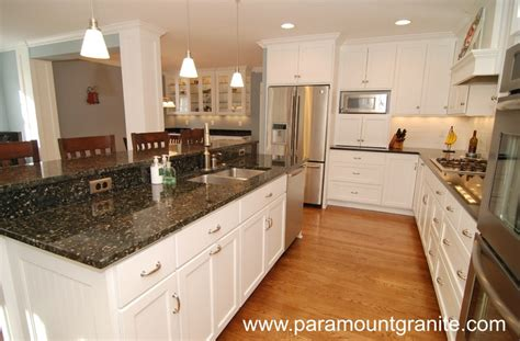 Kitchen Wall Color Ideas With Cherry Cabinets by Verde Butterfly Granite Countertops Remodeling Ideas
