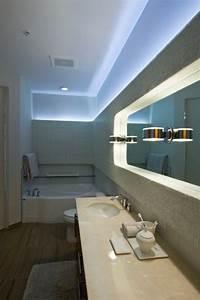 Wand Indirekt Beleuchten : led indirekte beleuchtung f r ein exklusives badezimmer ~ Markanthonyermac.com Haus und Dekorationen