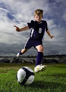 Best 25+ Soccer poses ideas on Pinterest   Senior soccer ...