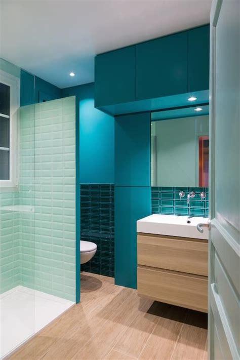 les 25 meilleures id 233 es de la cat 233 gorie salles de bains bleues sur peinture de salle
