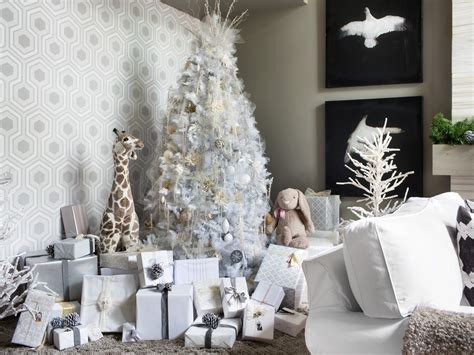 Top White Christmas Tree Decorations
