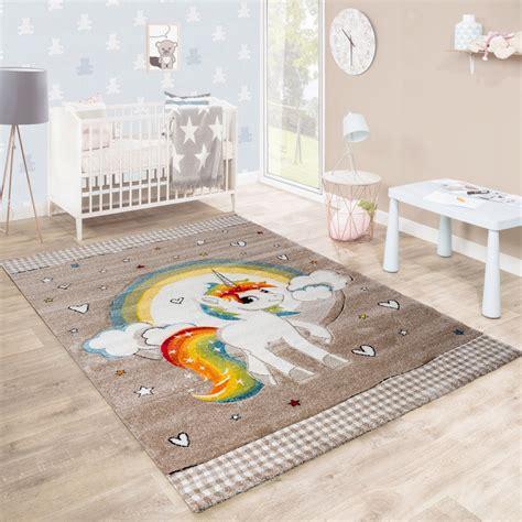 tapis pour enfant chambre d enfants c urs arc en ciel
