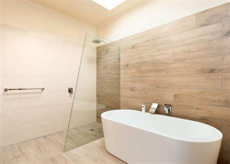 carrelage imitation parquet 50 mod 232 les 233 l 233 gants carrelage salle de bains et bois