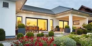 Moderne Häuser Walmdach : bungalow walmdach 167 luxhaus ~ Markanthonyermac.com Haus und Dekorationen