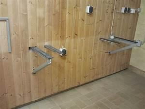 Schrank An Der Wand Befestigen : arbeitsplatte an wand befestigen k chengestaltung kleine k che ~ Markanthonyermac.com Haus und Dekorationen