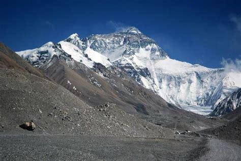 mont everest plus grande montagne du monde chine informations