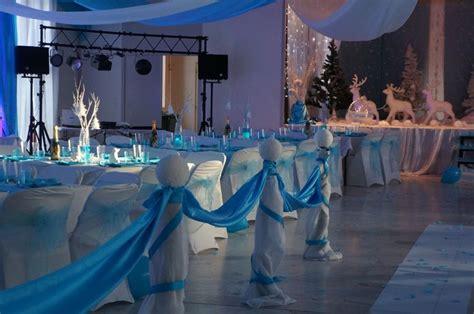 decoration salle de mariage sur le theme de l hiver en blanc et turquoise mariage essonne
