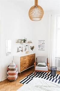 Schreibtisch Wohnzimmer Lösung : die besten 25 schreibtisch schrank ideen auf pinterest bastelzimmer schrank bastelzimmer ~ Markanthonyermac.com Haus und Dekorationen