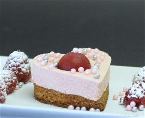 pour la st valentin un coeur litchi framboise la cuisine de mercotte macarons