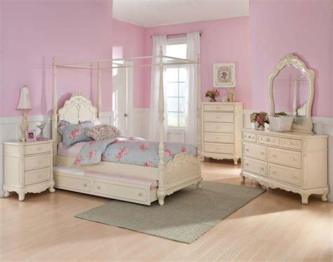 Homelegance Cinderella Poster Bedroom Set  Ecru B1386tpp