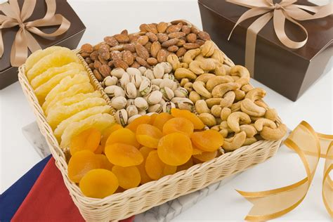 Fruit and Nut Basket, Nuts Gift Baskets, Nut Baskets, Nut Gifts