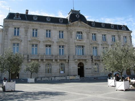 panoramio photo of mairie de mont de marsan avril 2007