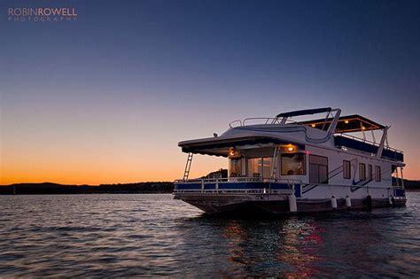 Houseboat Rental Austin Texas by The 25 Best Lake Travis Boat Rental Ideas On Pinterest