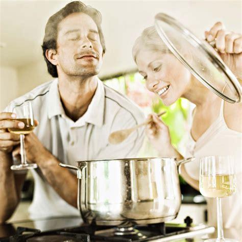 les fran 231 ais pr 233 f 232 rent faire la cuisine que faire l amour cuisine plurielles fr