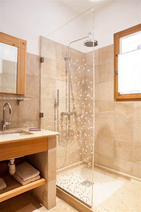 indogate salle de bain beige bois