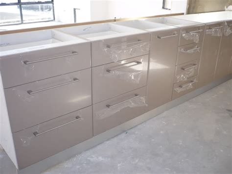Cool Vinyl Wrap Kitchen Cabinets Fort Lauderdale Homes For Sale Home Depot Water Heaters Riverside Ca At Facial Rent In Fairfield Mlb James Cole Funeral Detroit Mi Renaissance Raleigh