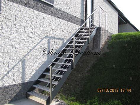escalier ext 233 rieur pour un acc 232 s au jardin ou terrasse
