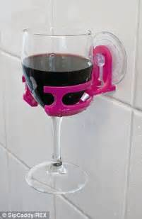 Portable Cup Holder Allows People To Enjoy Wine Or Beer In