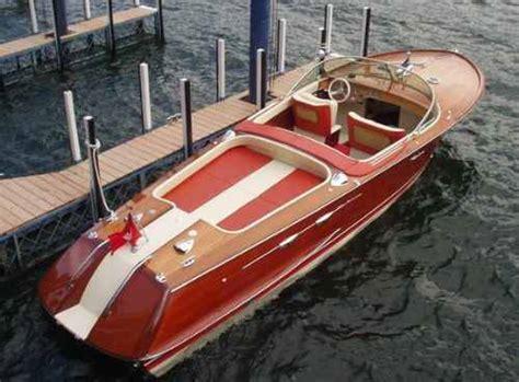 Motorboot Mit Jetantrieb by Franz 246 Sisches Musikvideo S 228 Ngerin Auf Motorboot Wer