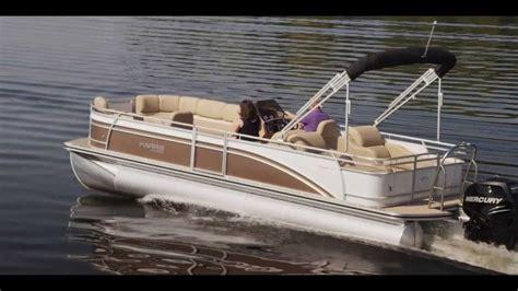 Best Pontoon Party Boats by Best 25 Pontoon Boating Ideas On Pinterest Pontoon