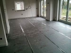 Laminat Verlegen Bei Fußbodenheizung : fu bodenheizung verlegen in eigenleistung d mmung und rohre verlegen ~ Markanthonyermac.com Haus und Dekorationen