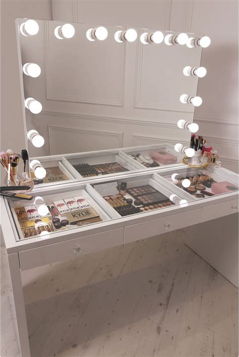 best 25 makeup vanity mirror ideas on diy