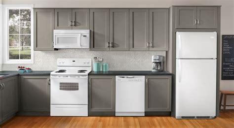 20 Modern Kitchen Designs With White Appliances