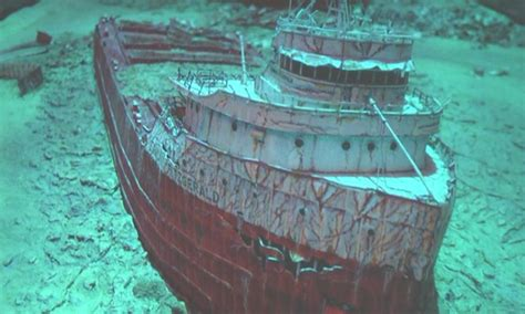 Sinking Of The Ss Edmund Fitzgerald by Shipwreck Archives Peninsula Abc 10