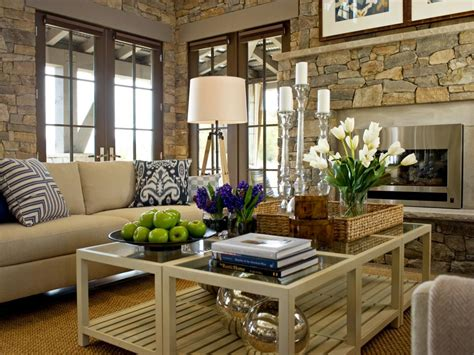 15 Designer Tips For Styling Your Coffee Table Christmas Gifts For Men Staff At The Office Gift Under 10 Original Ideas Pinterest Inexpensive Daycare Teachers That Say I Love You Personalized Friends