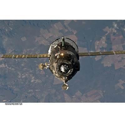 NASA - Soyuz TMA-19 Relocation