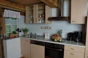 Küchenzeile Mit Spülmaschine : ferienhaus erdgeschoss k chenzeile mit sp lmaschine herd backofen kaffeemaschine ~ Markanthonyermac.com Haus und Dekorationen