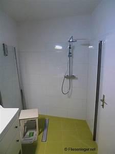 Schimmel Im Badezimmer : das bad als idealer lebensraum f r schimmel ~ Markanthonyermac.com Haus und Dekorationen