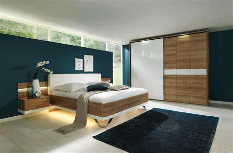 Modernes Schlafzimmer Von Dieter Knoll In Eichefarben Und