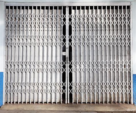 cr 233 ation de fermetures m 233 talliques grille rideau volet porte ballustrade mussidan