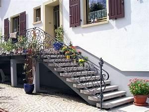 Treppenaufgang Außen Gestalten : treppen steinmetzbetrieb conrad klammes zweibr cken ~ Markanthonyermac.com Haus und Dekorationen