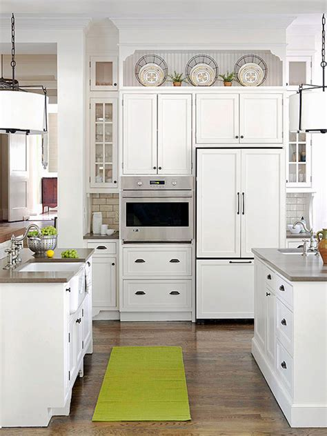 Above Kitchen Cabinet Decorations Pictures by 10 Ideas For Decorating Above Kitchen Cabinets