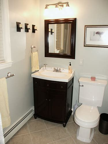Bathroom Ideas On A Budget by Remodeling A Small Bathroom On A Budget 2017 Grasscloth